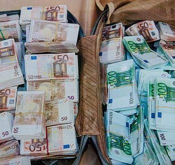 algerie-150-000-euros-saisis-a-laeroport-international-dalger-600×330